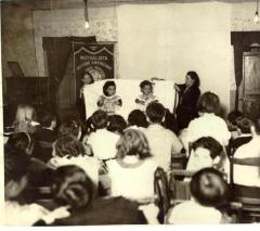 Presentation by children at the Mutualista Obrera Puertorriquena
