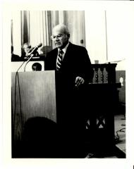 Howard Gittis delivering speech during his swearing-in ceremony as Judge of the Court of Common Pleas.