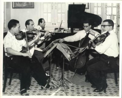 Pepito Figueroa with other musicians