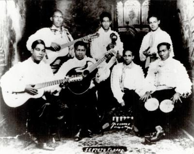 Publicity photo of Septeto Flores