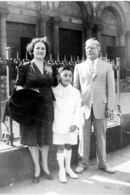 José Hernández Álvarez at his First Communion