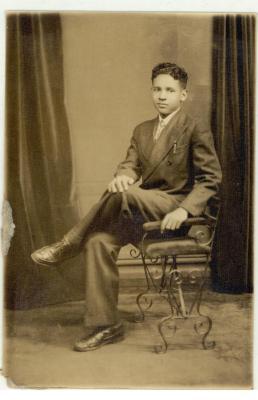 Portrait of Frank Torres