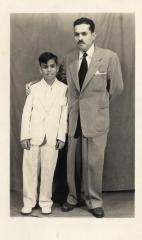 Gilberto Concepción de Gracia with his son