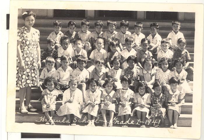 Halaula School first grade group photo