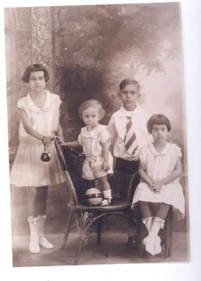 Herman Badillo as a child with his siblings