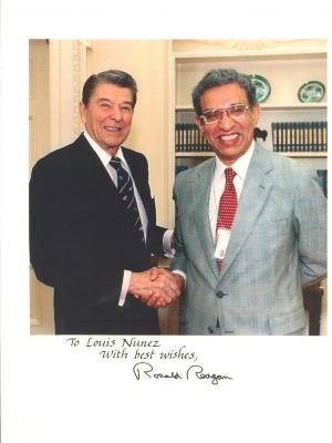 Louis Nuñez and President Ronald Reagan