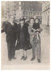 Gerardo and Maria Luisa Torres with family