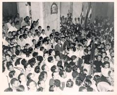 Albizu Campos at the center of a huge crowd