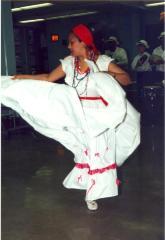 Plenero dancing Plena at the ¡MUÉVETE! Boricua Youth Conference