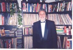 Richie Pérez in formal dress