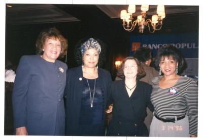 Mujeres Destacadas / Featured Women