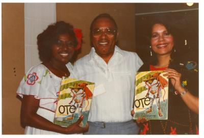 "Malín Falú, Piri Thomas, and Brenda Feliciano, with Pura Belpre's ""Oté"""
