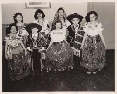 Mexican kids wearing folkloric clothing