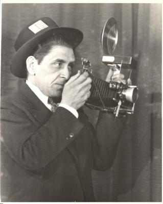 Justo Ambrosio Martí holding his camera, self-portrait