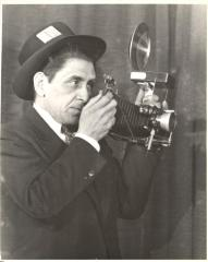 Justo Ambrosio Martí holding his camera, self-portrait