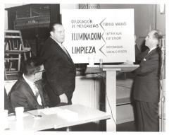 """Workshop for """"bodegueros"""" on best business practices."""