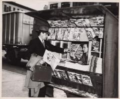 Justo A. Martí buying La Prensa Newspaper