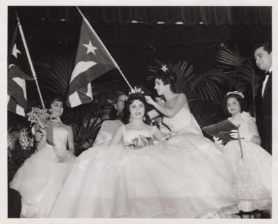 A Hispanic beauty pageant