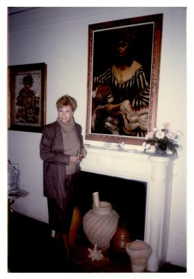 Vélez Mitchell in front of her portrait