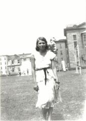 Vélez Mitchell during her school years
