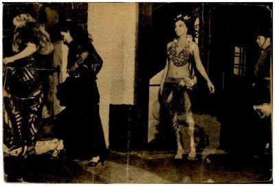 Vélez Mitchell as a Hawaiian dancer