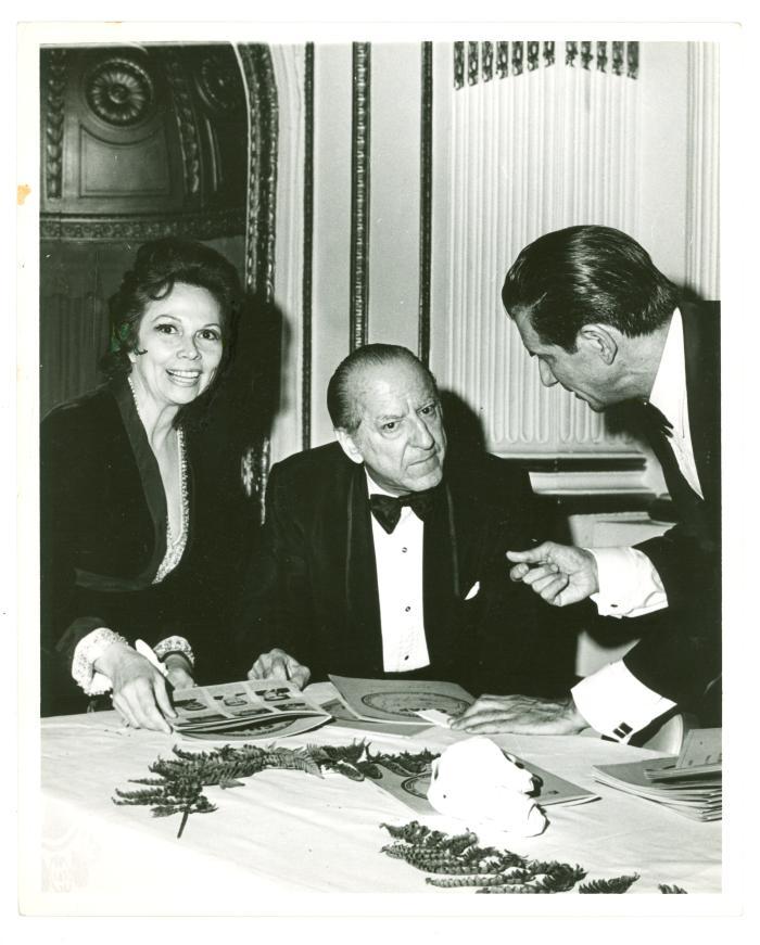 Vélez Mitchell with pianist Sanroma