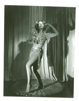 Vélez Mitchell dances the Pearl Fishers