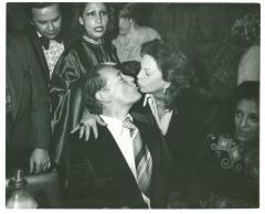 Vélez Mitchell kissing Tito Guizar