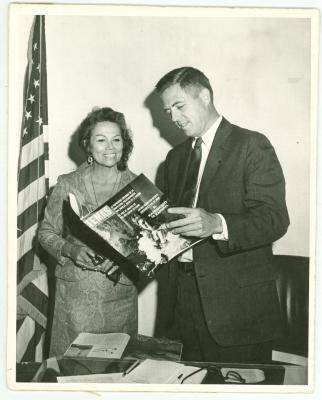 Vélez Mitchell and James Buckley
