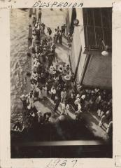 Relatives and friends saying goodbye to steamship passengers
