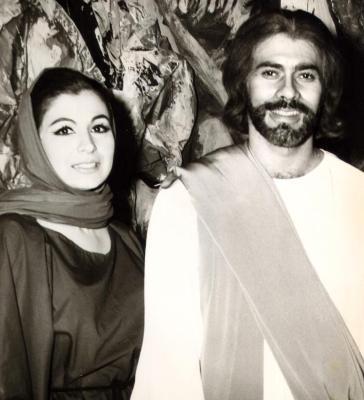 Gilda Mirós (left)