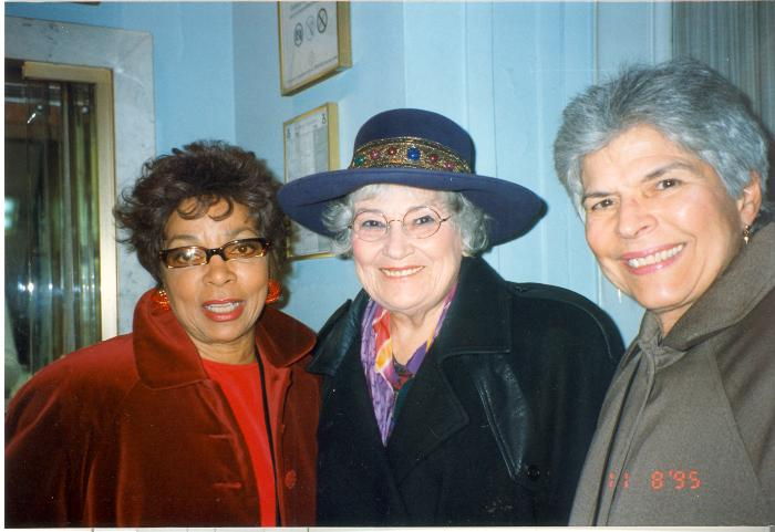 Helen Rodríguez-Trías (far right)