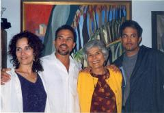 Helen Rodríguez-Trías (second from right)
