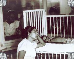 Helen Rodríguez-Trías at the bedside of a patient